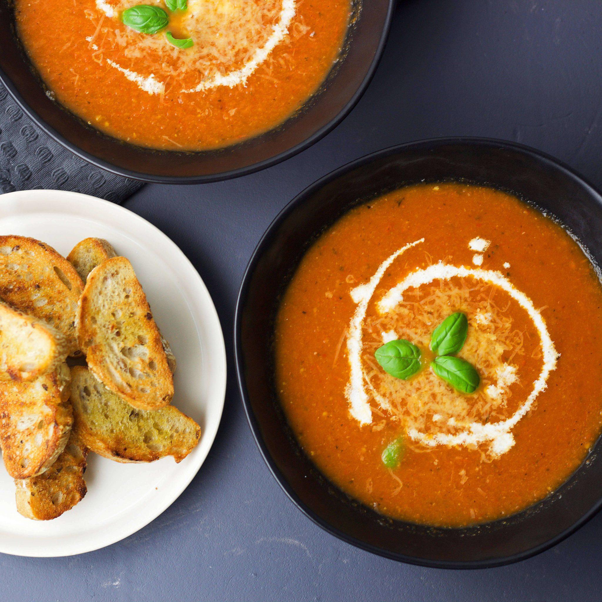 Roasted tomato soup (VeGaN)