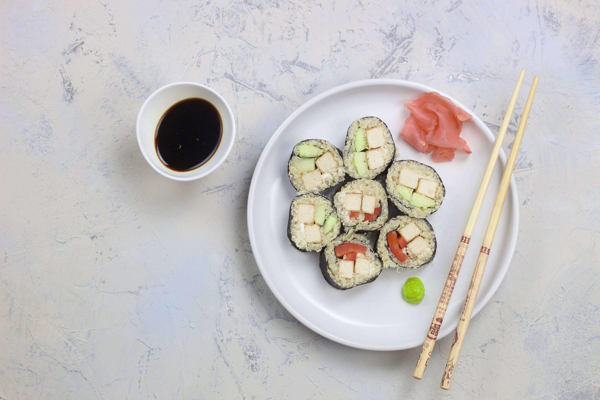 White quinoa sushi rolls (VeGaN)