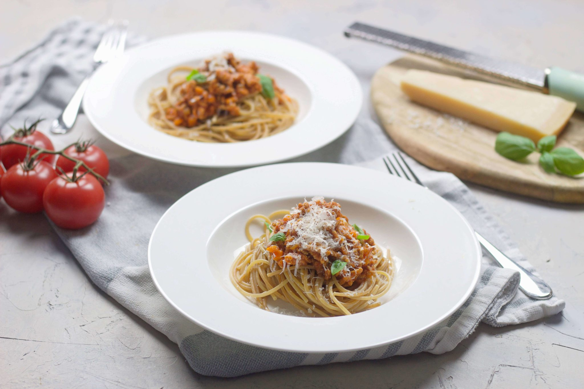 Homemade Bolognese sauce (alcohol-free)