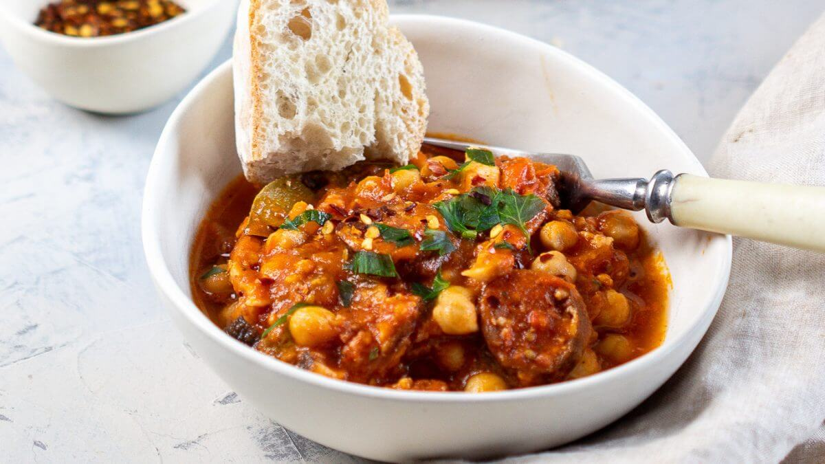 <strong>Recipe:</strong> Easy Polish chickpea Breton style (cieciorka po bretonsku), the most fulfilling food for your breakfast or lunch.
